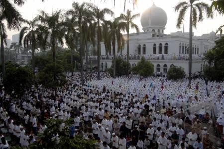 Tata Cara Shalat Idul Fitri Dan Bacaannya - Tausiah Muslim