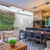 Espaço gourmet com miniestar, jardim vertical e teto de vidro retrátil!