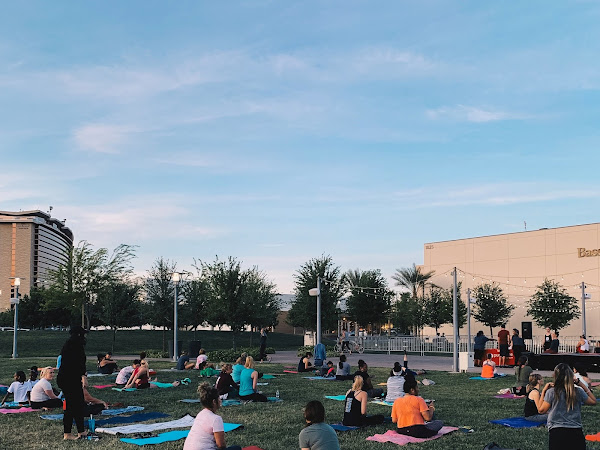 5 Spots To Do FREE Yoga In Las Vegas This Summer