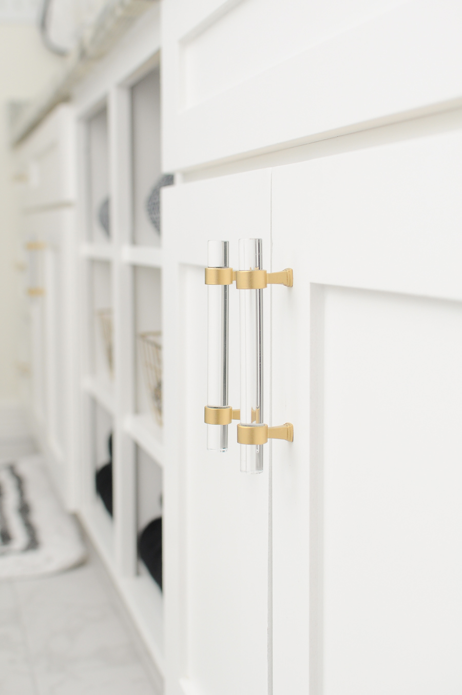 How to change chrome finishes to a gorgeous satin gold finish to update your cabinet pulls and hardware. | #DIY #Decor #tutorial #bathroom #closet #hardware #cabinets #whitecabinets #whitekitchens #whitebathroom #budgetdecor #budgetDIY #makeover #tutorial #gold #brass
