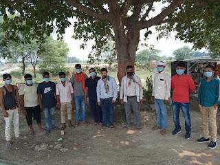 बख्शा ब्लॉक में कांग्रेसियों ने वितरित किया मास्क | #NayaSabera