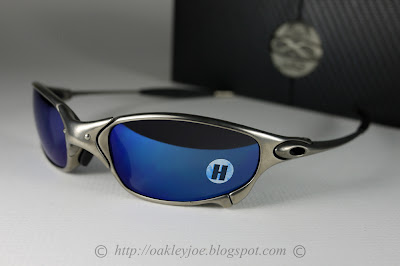 04-149 Juliet Polarized, out of production. Carbon + Black Iridium  Polarized complete boxset, collector coin, microfiber pouch, extra nose  piece warranty ... b72fc584bf