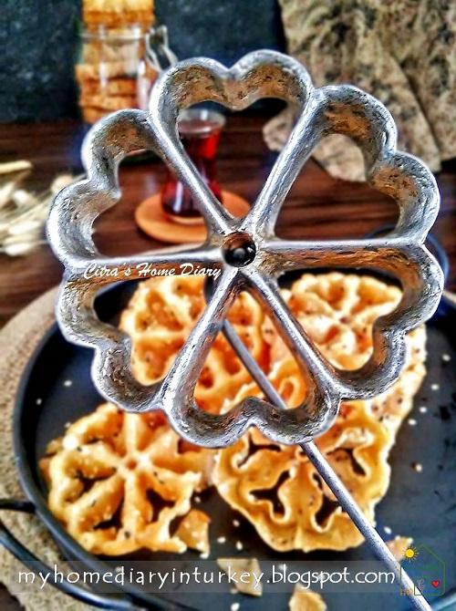 Rosettes / Honeycomb  Fried Cookies / Kuih Loyang / Kembang Goyang
