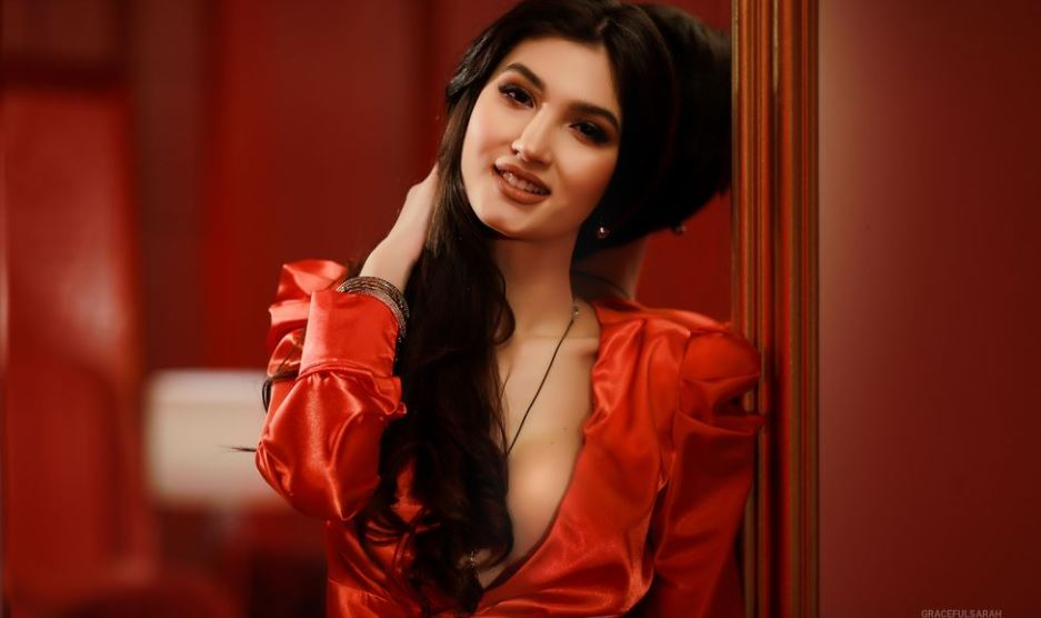 GracefulSarah Model GlamourCams