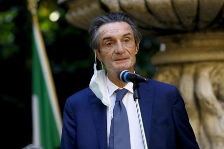 Covid, Fontana: ''La percentuale di infetti è scesa, in Lombardia non stiamo pensando a lockdown''