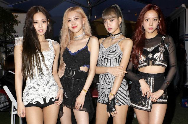The 12 Best K-Pop Girl Groups in South Korea