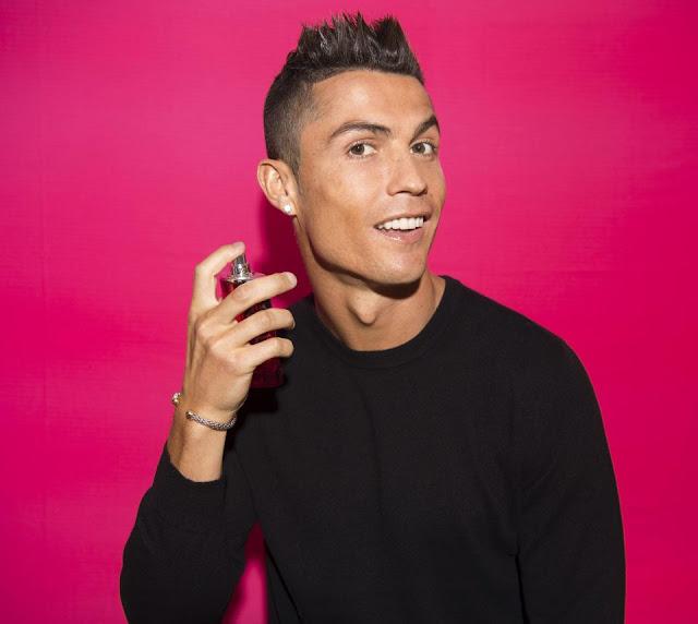 Cris Ronaldo toe toét cười ra mắt 'mê hồn hương' 3