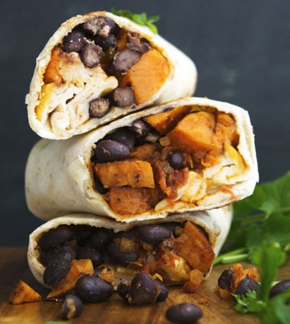 Sweet Potatoes and Black Beans Breakfast Burritos #breakfast #vegetarian