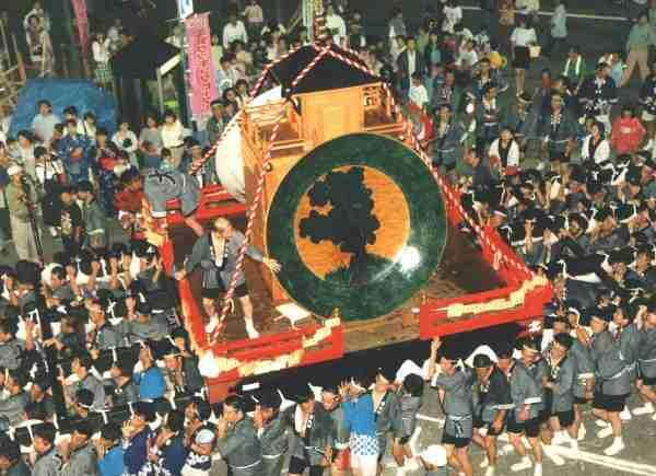 Kokutani Ozawa Mikoshi Jumangoku Matsuri (large plate float), Kaga City, Ishikawa Pref.
