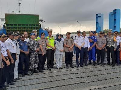 Demi Keselamatan Para Penumpang Angkutan Perairan, Kapolres Tanjab barat Laksanakan Kegiatan Ramp Chek Angkutan Pelabuhan