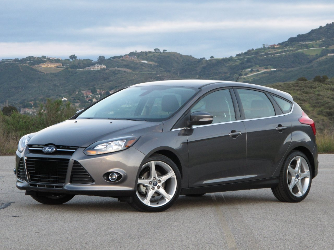 2012 Ford Focus Titanium Fordfocussilverkonigtraffikblack2 Rides Fuse Boxes Styling 2 2008 Box Fix Cigar Lighter Auxillary 6 Price