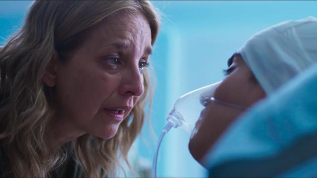 Adriano morre nos braços de Irene: Claudia Ramírez surpreende em cena dramática da novela 'Fuego Ardiente'