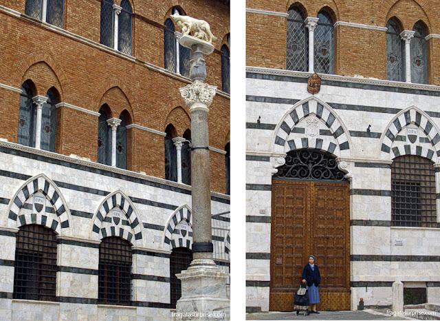 Loba Romana em frente à Catedral de Siena