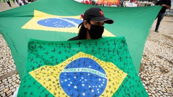 Bolsonaro acumula más de 30 peticiones de destitución