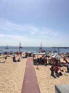 faixa na praia para levar cadeirantes