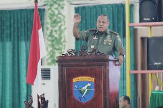 Pangdam Beri Pengarahan Prajurit dan PNS Kodam XII/Tpr