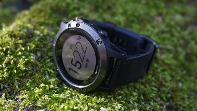 Đồng hồ thông minh thể thao GPS