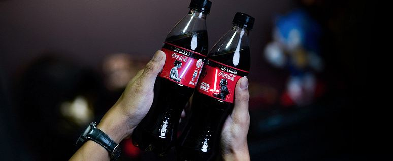 Coca-Cola comes out with an OLED screen on a bottle