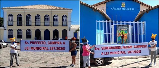 Protetores de animais fazem manifestação pacífica em frente à Câmara de Vereadores e Prefeitura de Rio de Contas