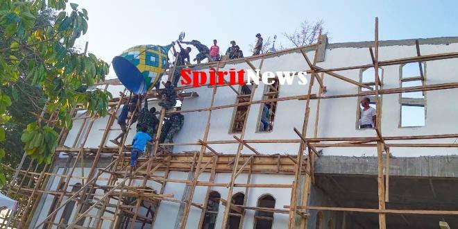 Tim Satgas TMMD Ke-106 Kodim 1413/Butsel Bangun Masjid Dambaan Warga