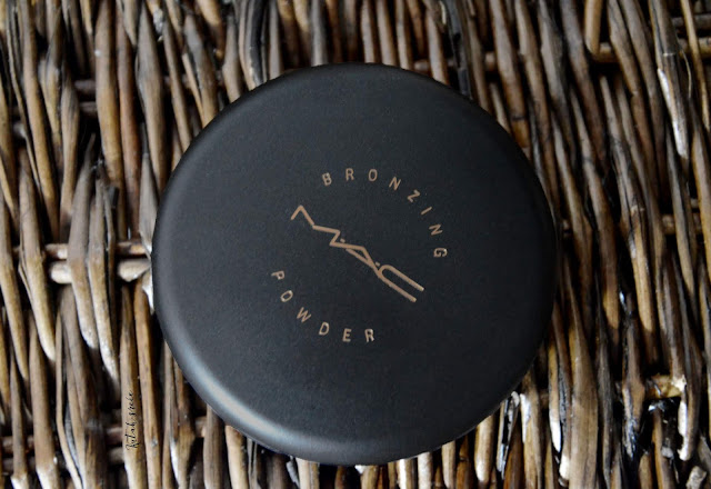 Kutak-srece-mac-cosmetics-bronzing-powder-matte_notino_hr