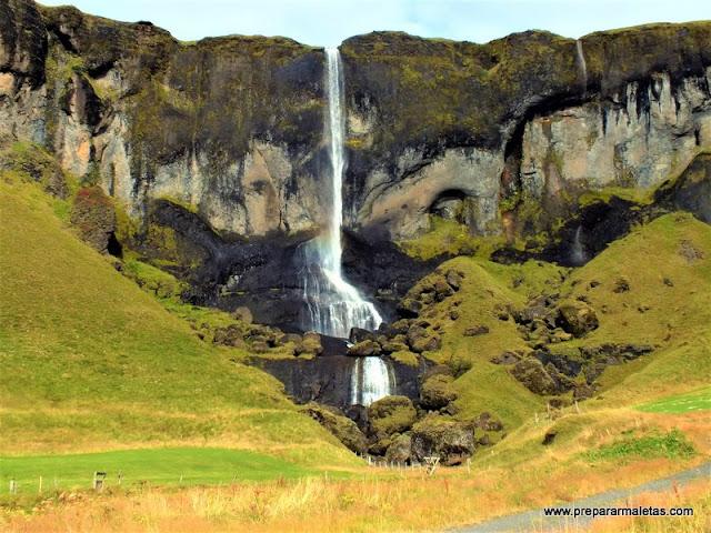cascadas sorprendentes que ver en Islandia