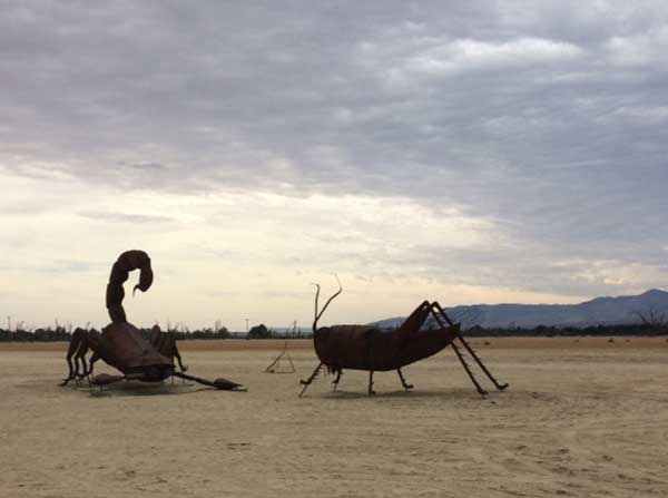 Giant metallic creatures in Borrego Springs