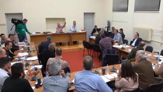Απίστευτες εκφράσεις στο δημοτικό συμβούλιο Γορτυνίας: «Τι λέει αυτό το α@@@@@;» (video)