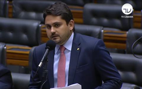 Juscelino Filho enaltece aprovação de renda emergencial aos mais vulneráveis