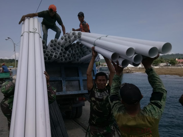 TNI AD Bangun Bak Air Bersih di Desa Perangen
