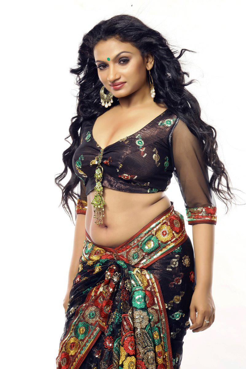 Malayalam Hot Actress Krishna Prabha Hot Navel Show Hot Mallu