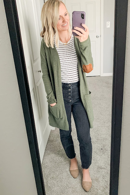 Black jeans with green cardigan outfit #blackjeansoutfit