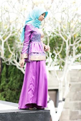 kebaya tradisional berhijab