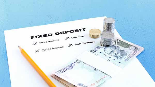 Bank Fixed Deposits vs Post Office Time Deposits - कहां करें निवेश, कौन सा है बेहतर विकल्प जानिए