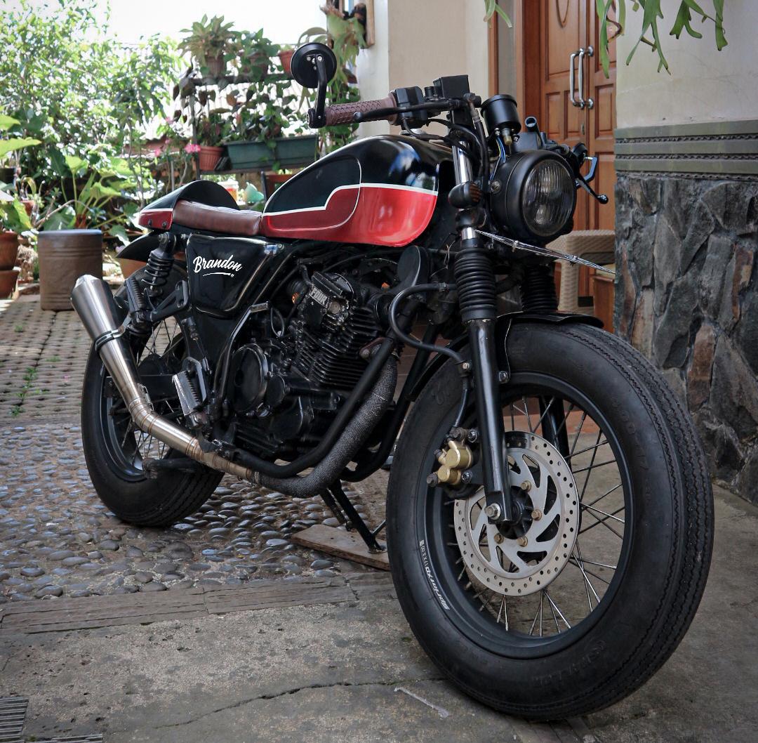 Modifikasi Cafe Racer Yamaha Scorpio Ban Gambot