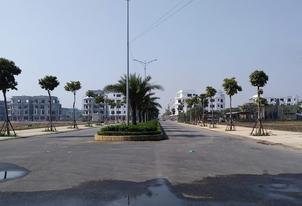 Các khu Shophouse trên trục đường trung tâm Him Lam Green Park đã được hoàn thành