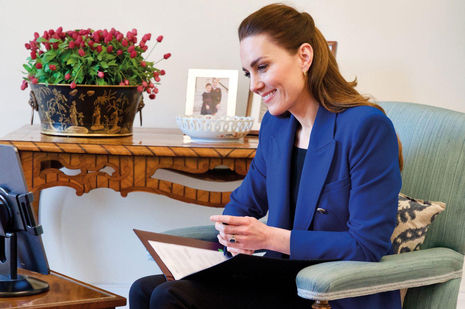 Przetłumaczony wywiad księżnej Kate z Harriet Nayiga z okazji Międzynarodowego Dnia Położnej