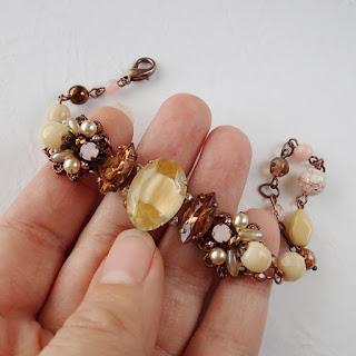 vintage style bracelet, rhinestone bracelet #bracelets #vintage #rhinestone #pastejewelry #rhinestonejewelry