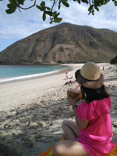 keindahan pantai mawun lombok