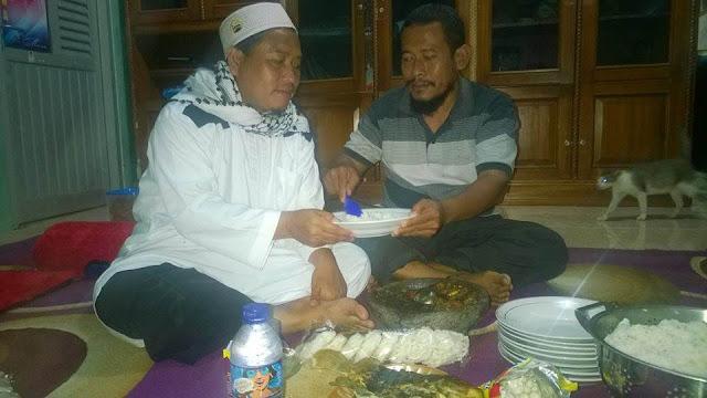 Pengusaha Asal Riau Ini Wakafkan Rumah Makannya Untuk Santri Cilik Ciamis Yang Ikut Aksi Jalan Kaki