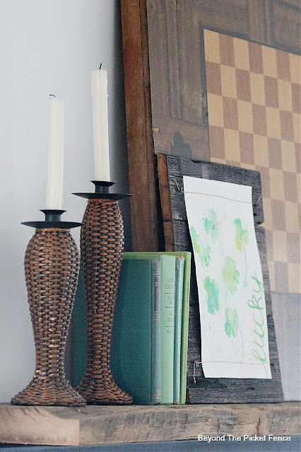 Simple Spring Mantel Ideas
