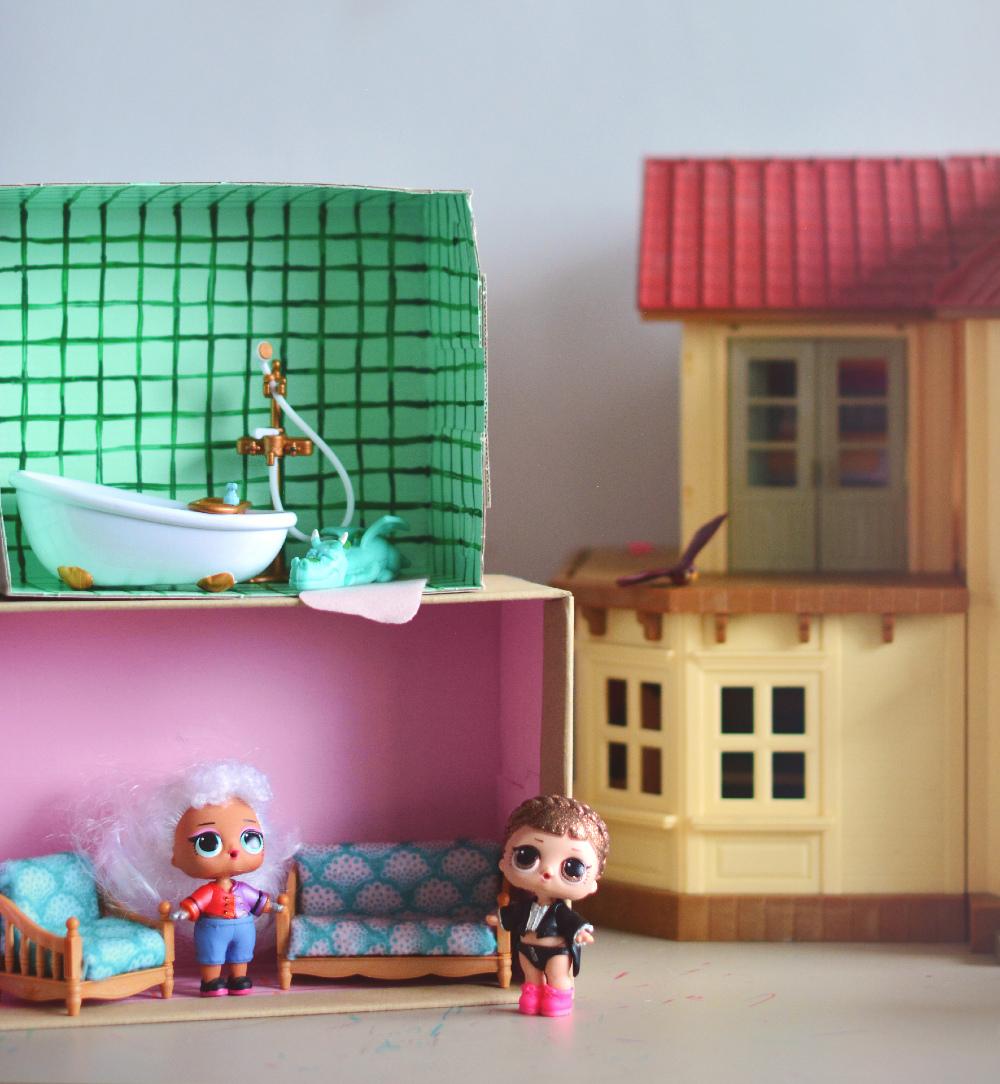 DIY: modułowy domek dla lalek z pudełka po butach