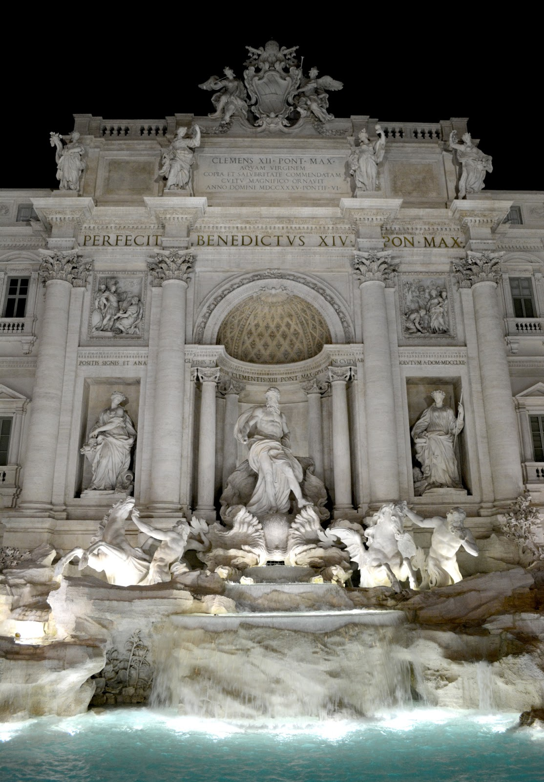 cozy birdhouse | trevi fountain in rome