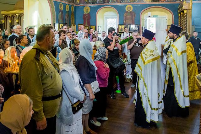 В Никольский храм доставлен ковчег с частицами мощей чтимых святых