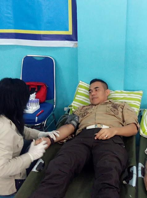 Memperingati HUTt RI Ke-73 Lembaga Pemasyarakatan (Lapas) Kelas I Medan mengadakan bhakti sosial Kemanusiaan yakni donor darah bersama Warga Binaan Pemasyarakatan (WBP), Rabu (15/8/2018)