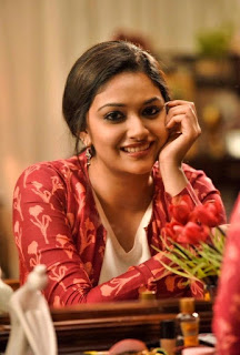 Keerthy Suresh with Cute and Lovely Smile in Sarkar 2