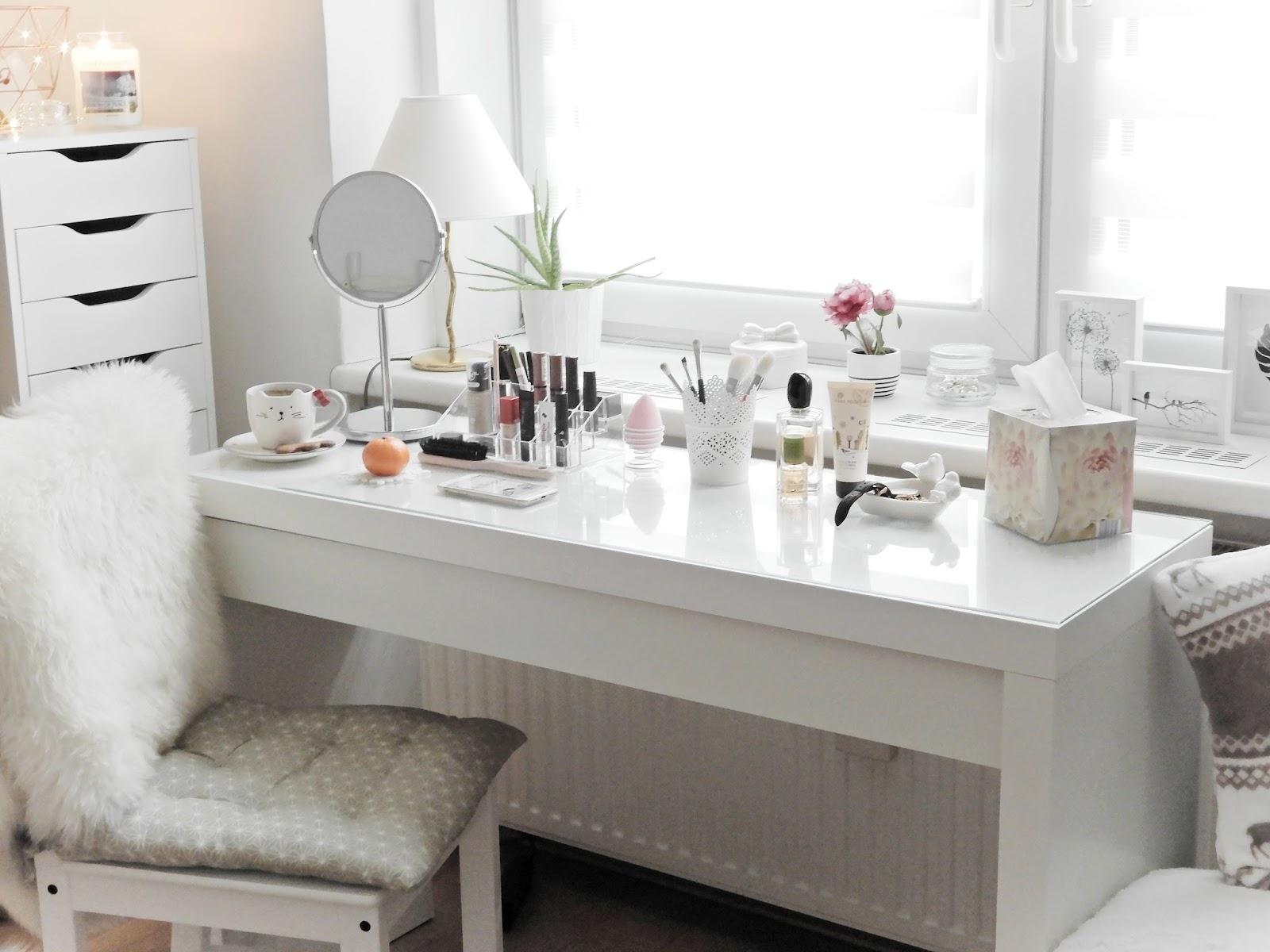 Pst Czyli Akcja Pokaż Swoją Toaletkę Hellojza About Beauty