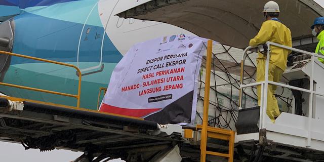 Penerbangan Kargo Perdana Manado – Narita Bawa Tuna dan Pala