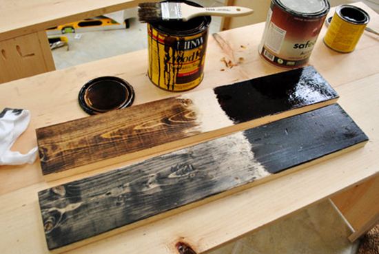 Teknik pengecatan atau finishing furniture dari kayu palet bekas kontainer
