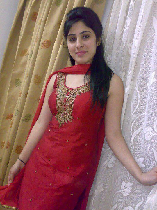 Beautiful Girls In Punjabi Suit Photos Hd Images Pics And